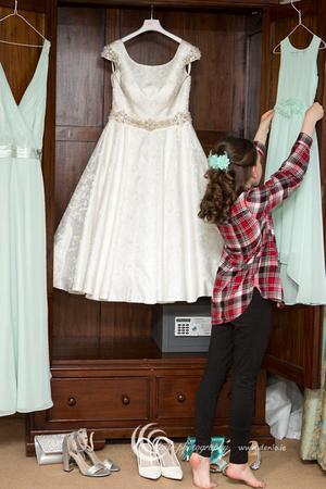 Wedding morning preparations-8514