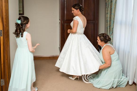 Wedding morning preparations-8641